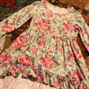 Other - Boutique 4/5 floral ruffles tunic